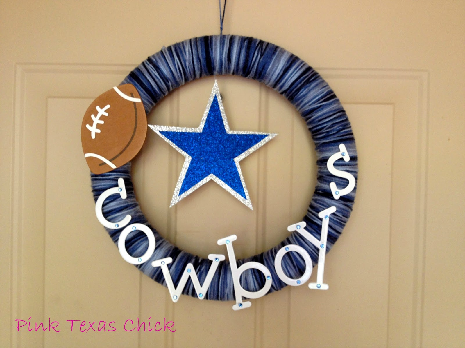 Dallas cowboys yarn wreath craft diy for Dallas cowboys arts and crafts