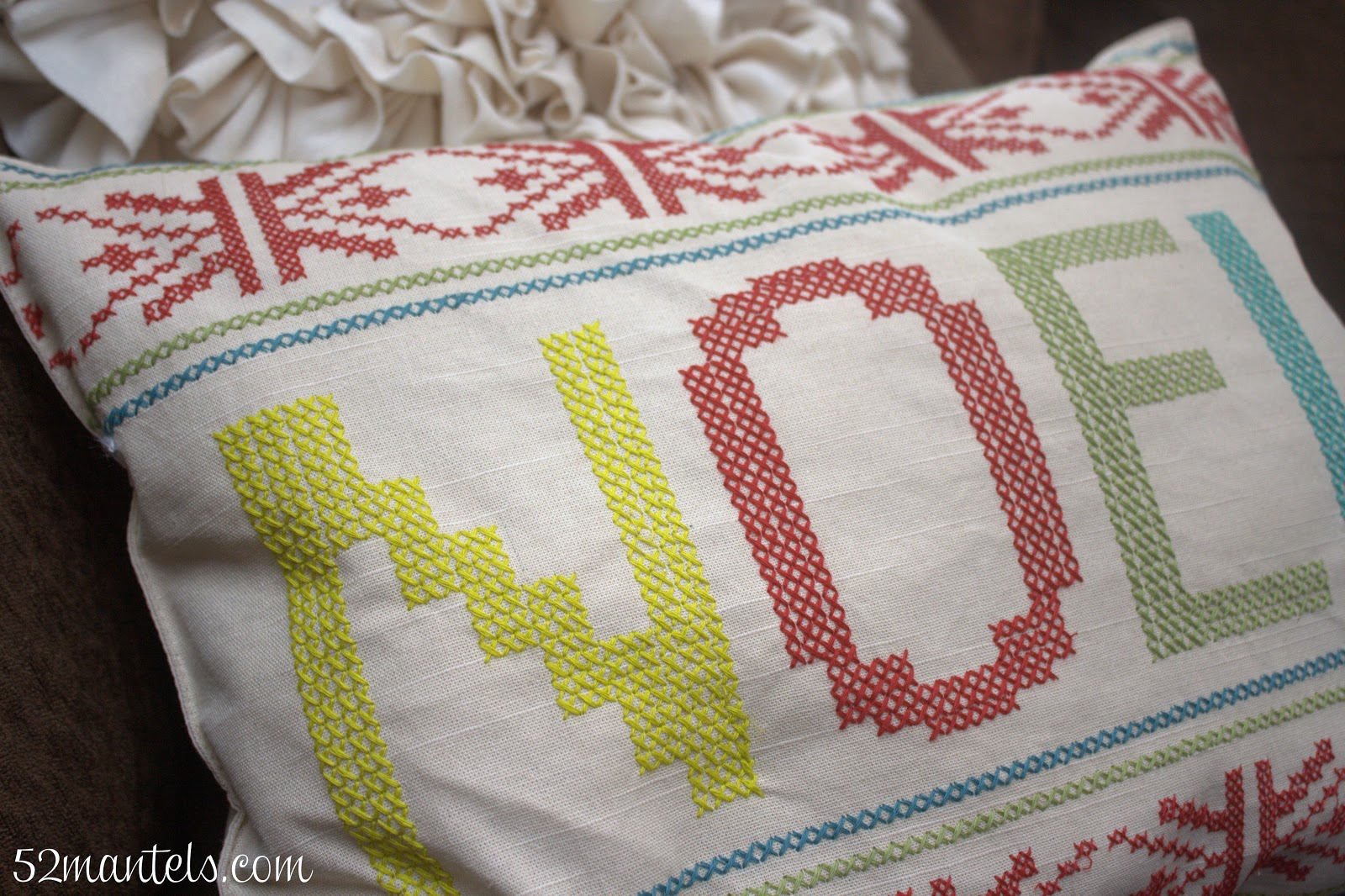 52 Mantels No Sew Christmas Pillow From A Placemat
