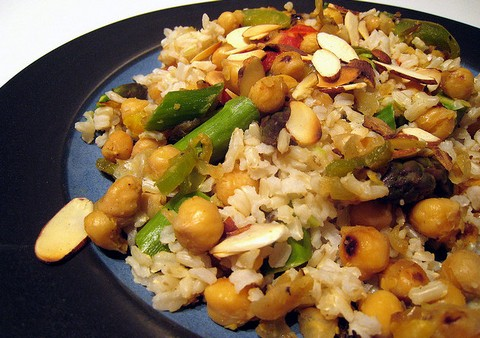 Brown Rice with Chickpeas and Asparagus