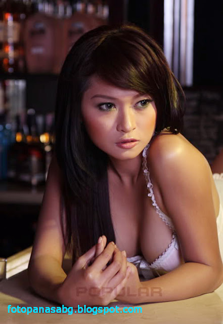 Foto Hot Model Indonesia Julie Octa ( Majalah Popular )