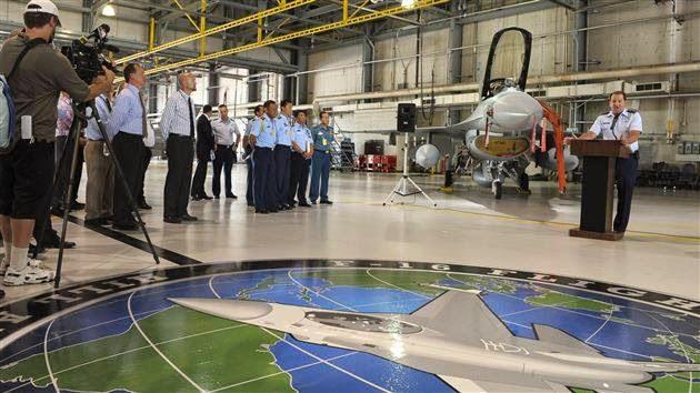 Indonesia Menerima Tiga Pesawat F-16 C/D 52ID dari Amerika Serikat