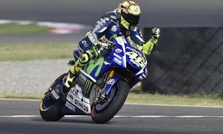 Review Hasil MotoGP Inggris 2015: Rossi Juara Berkat Pengalaman