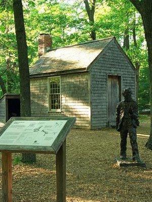 Réplica de la cabaña que construyó Thoreau