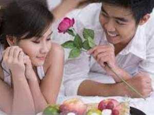 Tips Menciptakan Romantisme Malam Pertama Pengantin Baru