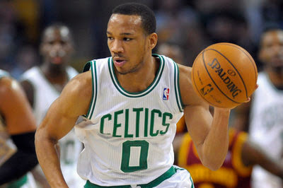 Celtics re-sign Avery Bradley