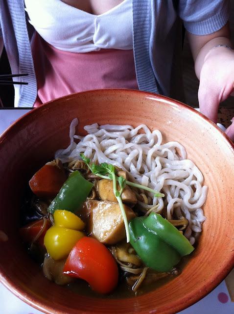20110924 稍微吃了個咖哩事典明仁店 - 鳳梨人稍微進行了 ...