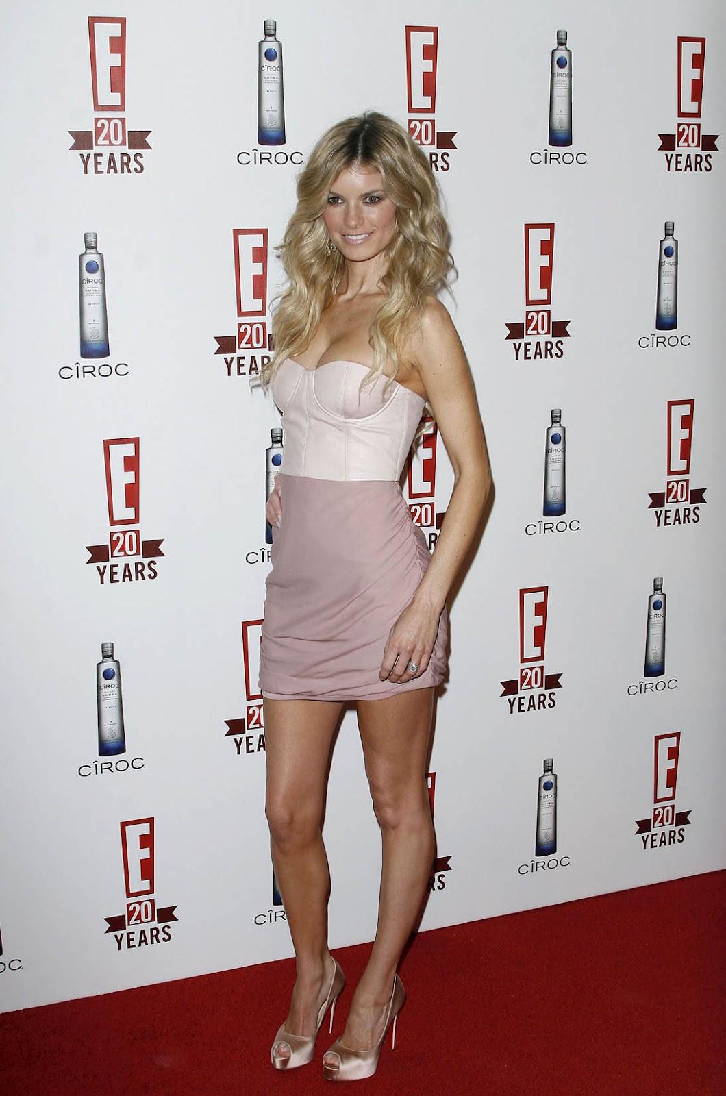 http://4.bp.blogspot.com/-49gHV4oJUto/UGGJxKecBEI/AAAAAAAAE3w/OYDVngl3OQg/s1600/Marisa-Miller-Feet-181523.jpg