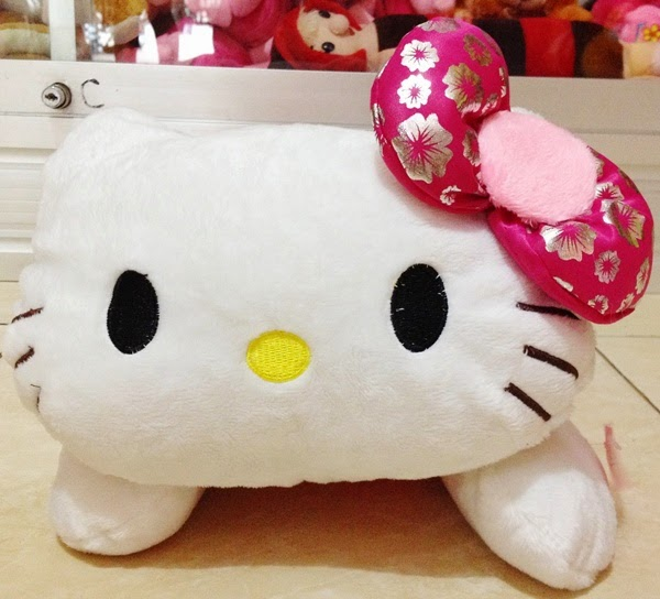 Gambar boneka hello kitty lucu