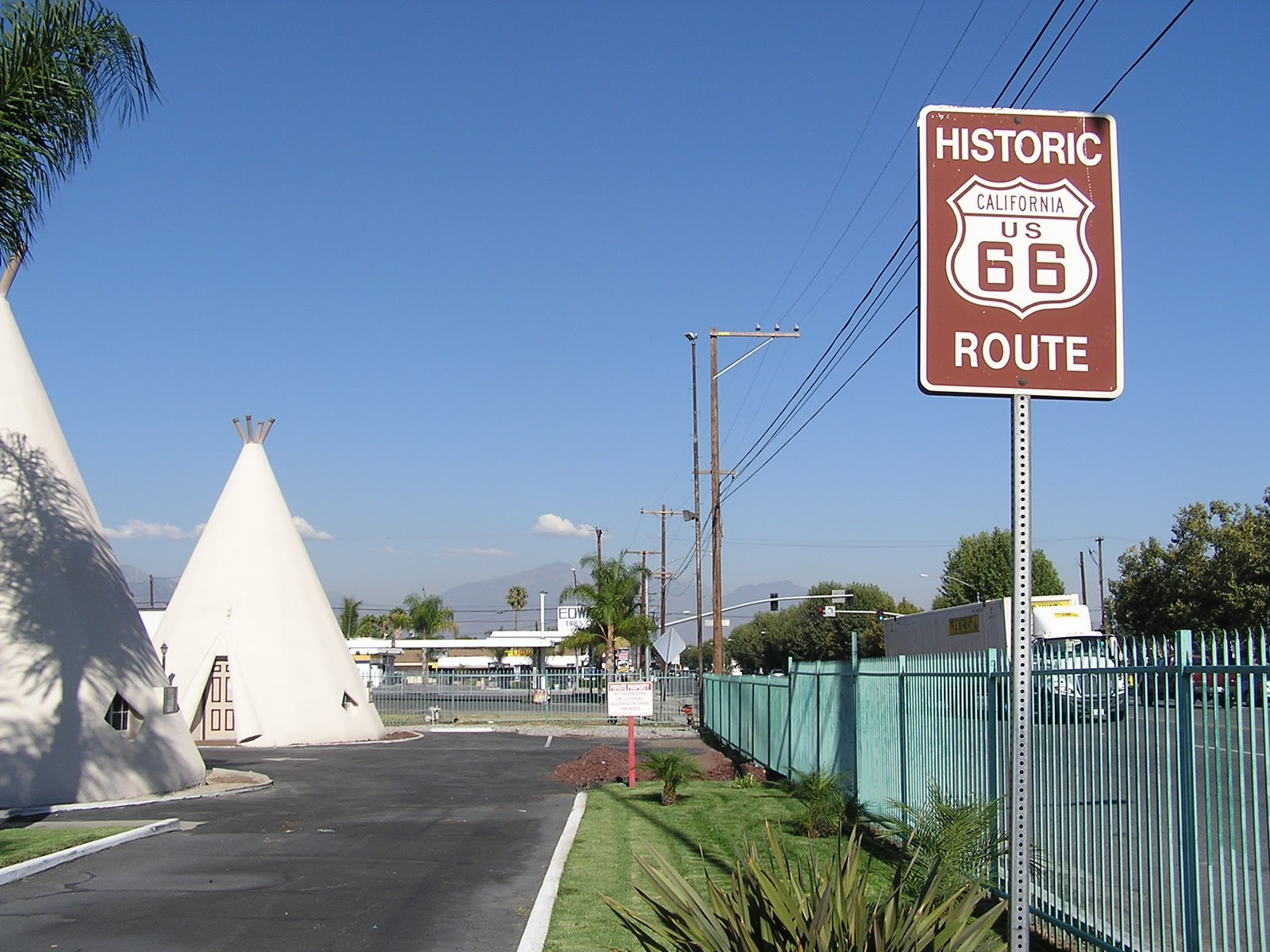 Mike 39 S Historic Buildings La Sidetrip Have You Slept In A Teepee Lately