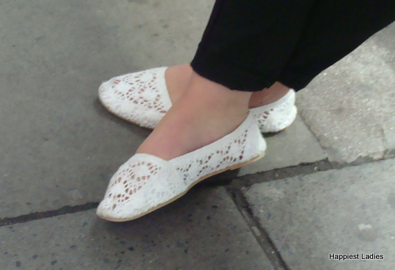 ladies white flat shoes