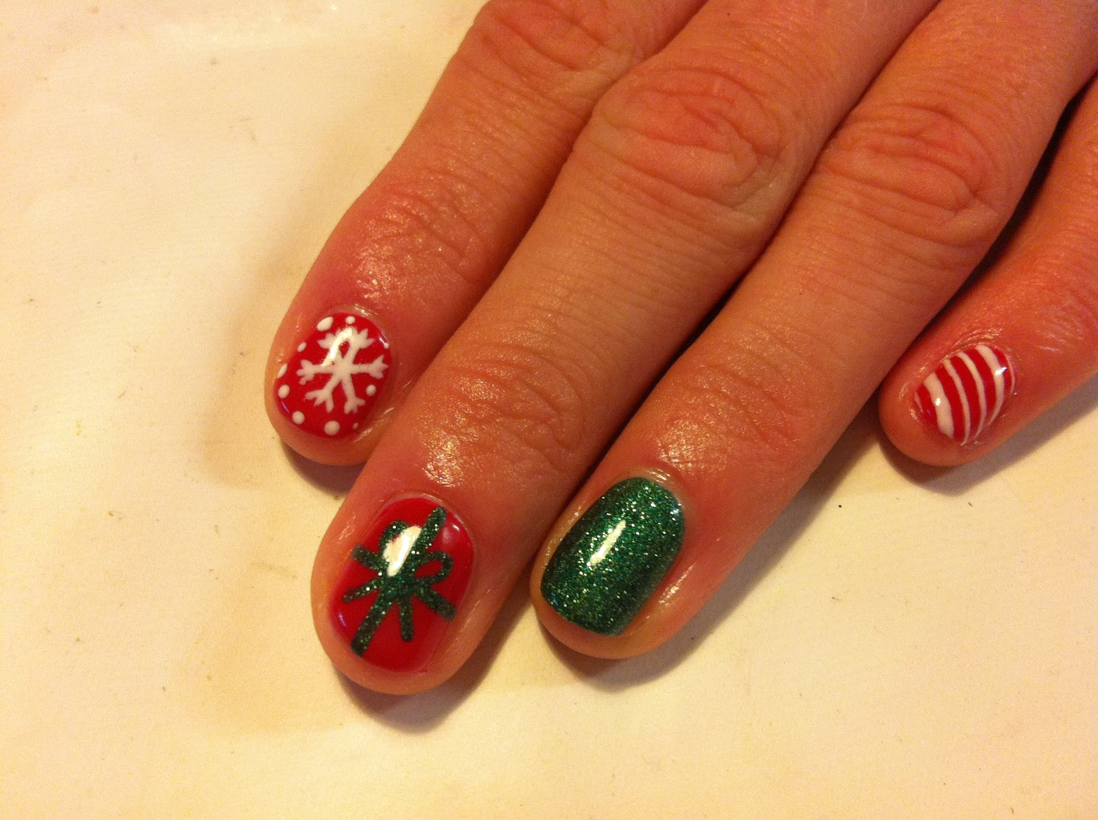 and Polish up!: CND Shellac Christmas Nail Art - #2 Red, Green & White