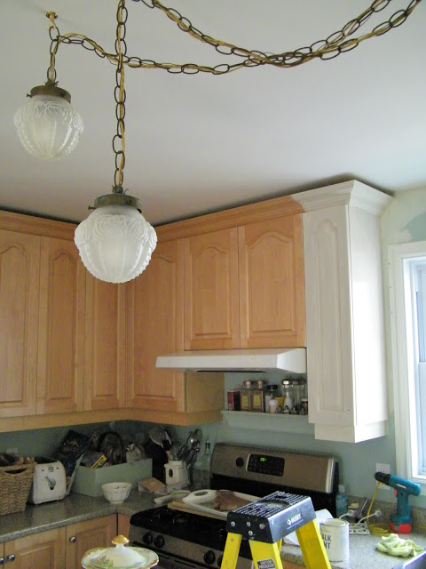 Pictures Of Painted Kitchen Cabinets maison decor: painting kitchen cabinets with chalk paint®annie