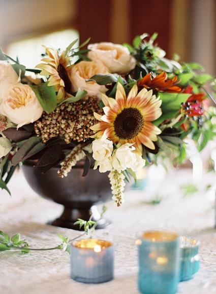 blomsterdekoration, blomsterdekoration rosor solrosor, rostiga solrosor, flower arrangement sunflowers roses, rosty sunflowers