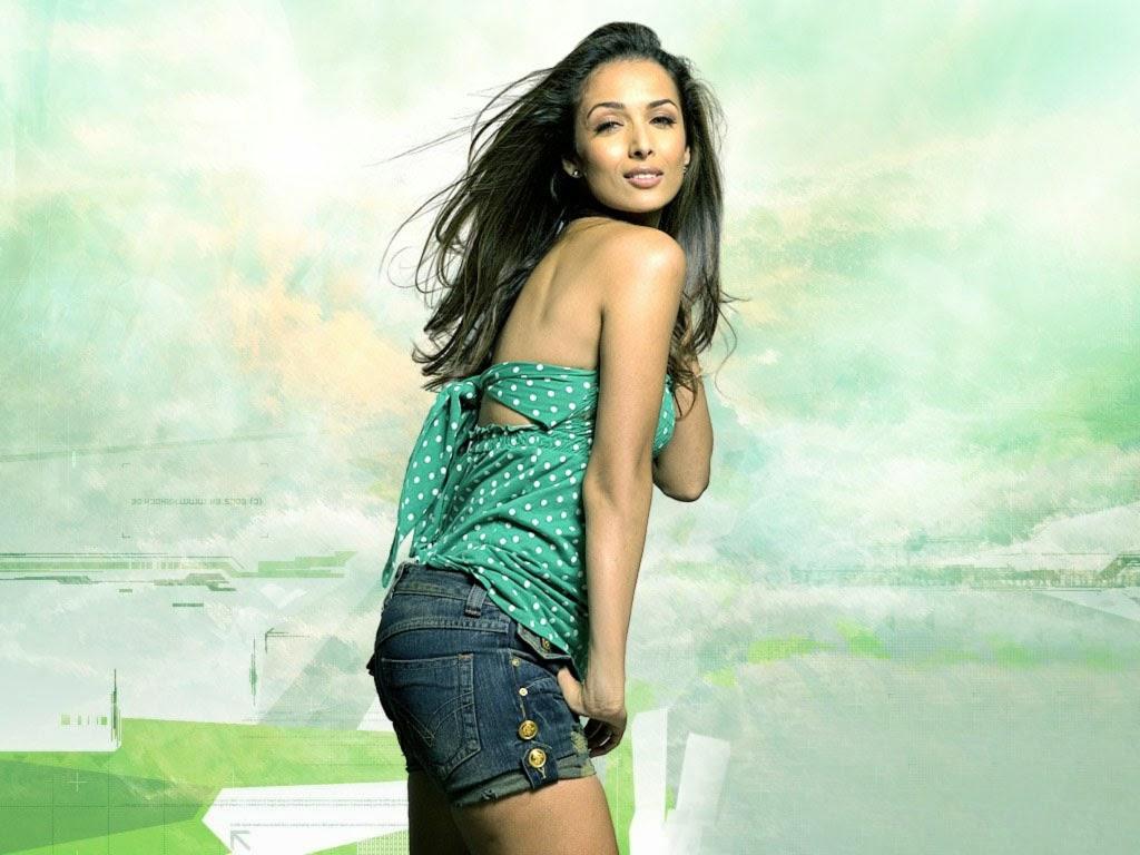 Malaika Arora Khan in Blue Shorts looks Very Cute And Gorgeous HD Pics