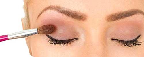 como aplicar tus sombras de ojos paso a paso