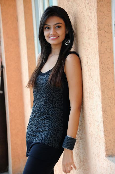 nikitha narayan at its my love story pm, nikitha new glamour  images