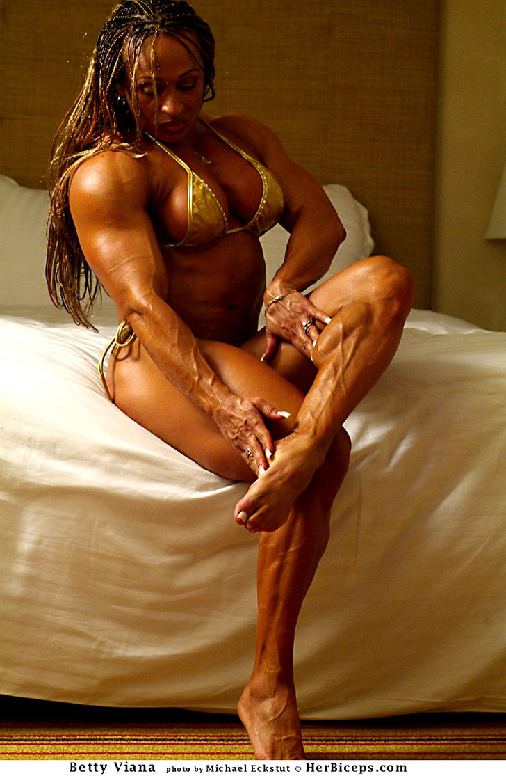 Betty Viana - Adkins Flexing Her Ripped Calves And Impressive Physique