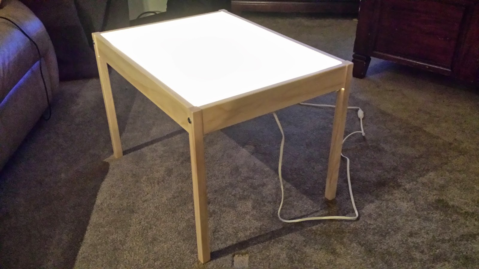 Hobby mommy creations diy light table ikea hack for Ikea drafting table with lightbox
