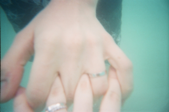 Underwater Photograph with Reusable Lomo Camera Married Couple