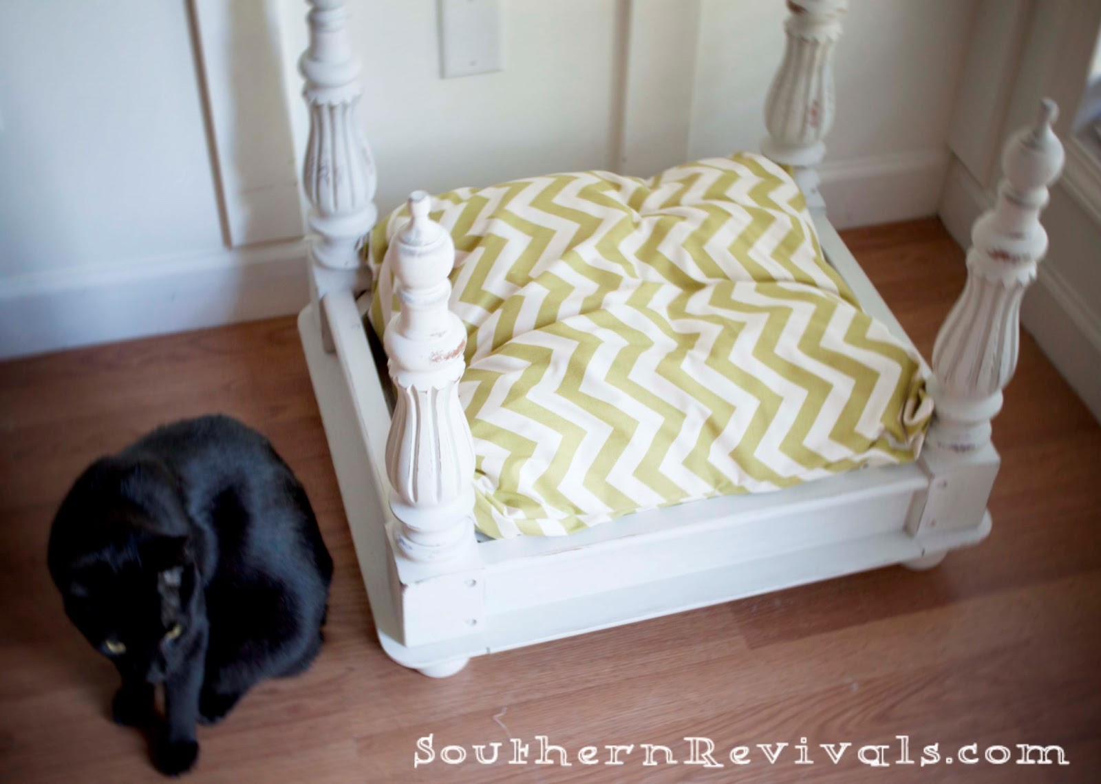 Diy end table pet bed southern revivals for Dog bed table