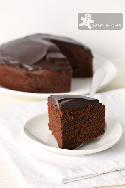 Donna Hay melt and mix gluten free chocolate cake