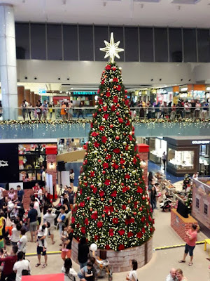 Christmas tree at Marina Square City Hall