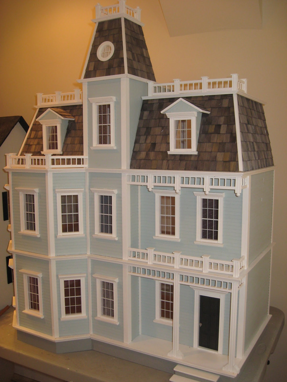 Little Darlings Dollhouses Building The Newport Dollhouse