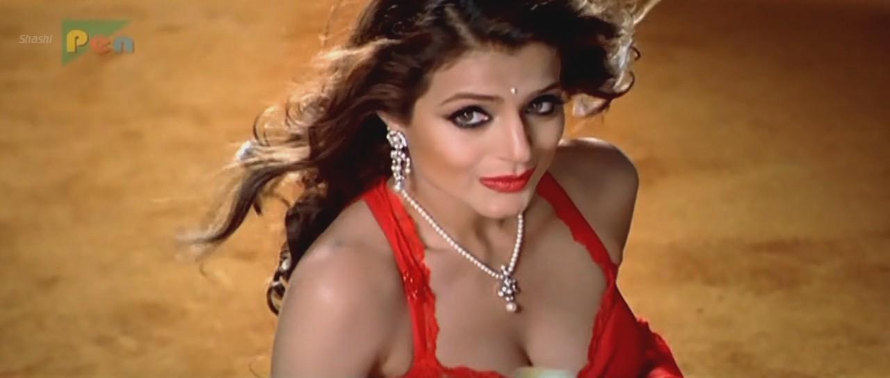 Amisha Patel - Hot Ass n Cleavage in Red Saree | Bad Masti