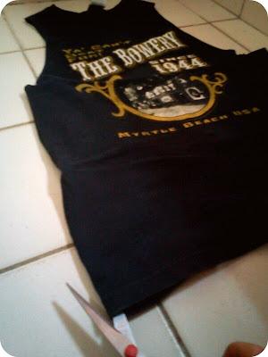DIY t-shirt camiseta cavada fazer uma camiseta mais larga