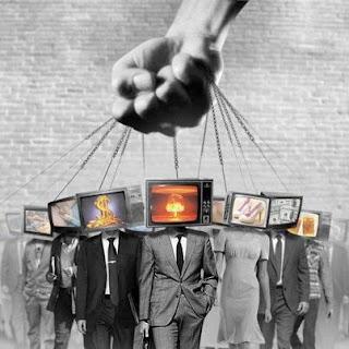 Mídia admite abertamente que o Governo controla as notícias