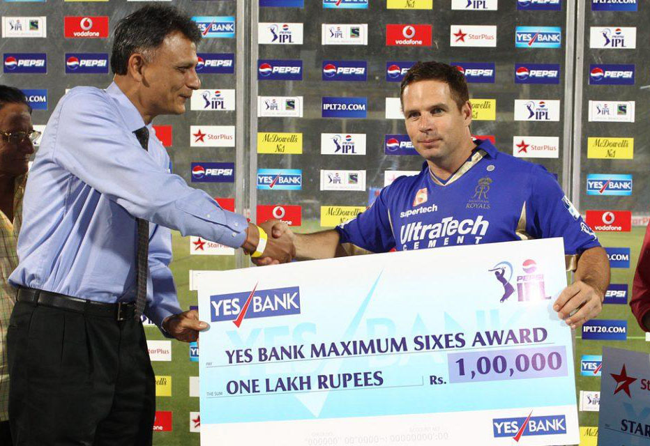 Brad-Hodge-Maximum-Sixes-RR-vs-MI-IPL-2013