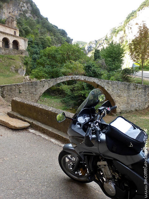 Puente sobre río Molinar