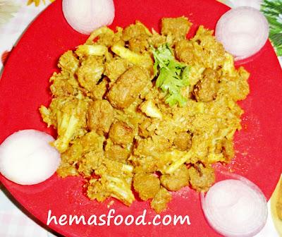 Cauliflower Soya Chunks Masala Curry