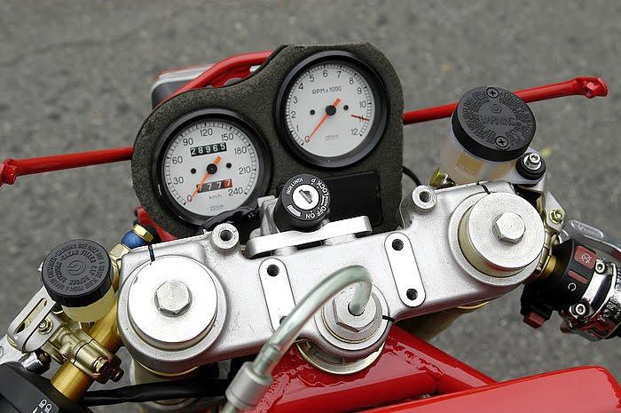 Ducati Deux soupapes - Page 6 Ducati%2B750%2BTT1%2Bby%2BNaoe%2BMachinery%2B07