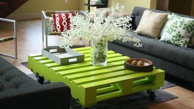 DIY green pallet coffee table