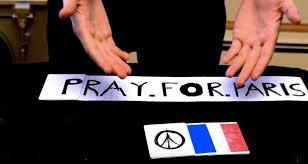 Un emotivo truco de cartas en honor a las víctimas de París