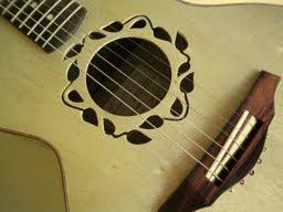 Nasce um Violão Folk