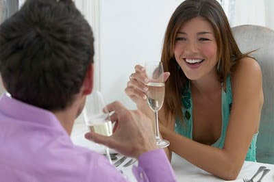 talking-with-your-girlfriend - The 5 Best Questions to Ask Your Girlfriend