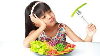 Tips Mudah Agar Sikecil Mau Makan