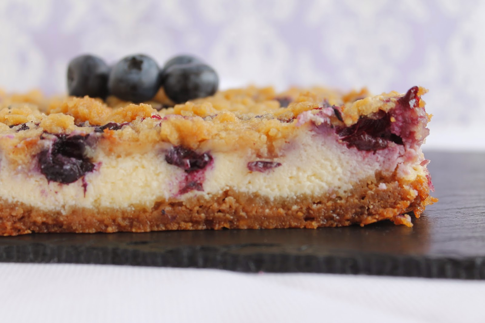 Receta Blueberry cheesecake bars o barritas de tarta de queso con arándanos