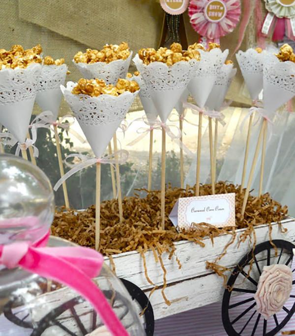 C mo servir palomitas en una fiesta somosdeco blog de - Bandejas decoracion salon ...