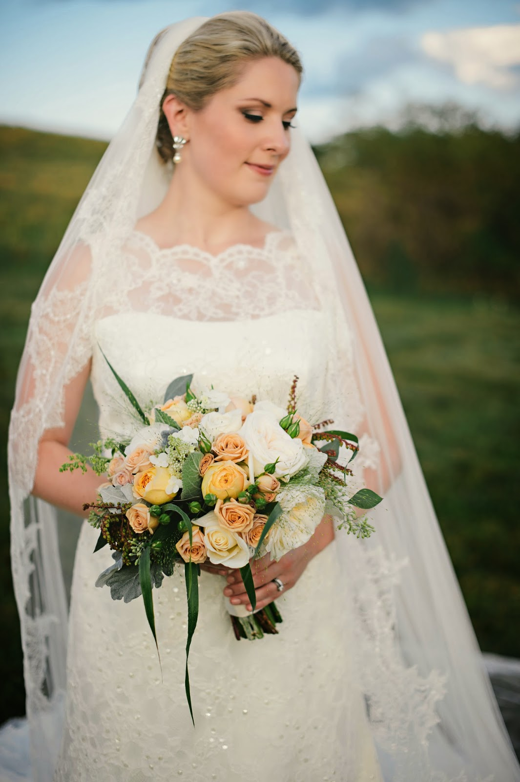 les fleurs : barn at gibbet hill : late summer wedding : barn wedding : mustard yellow, ivory, antique cream, wispy grasses