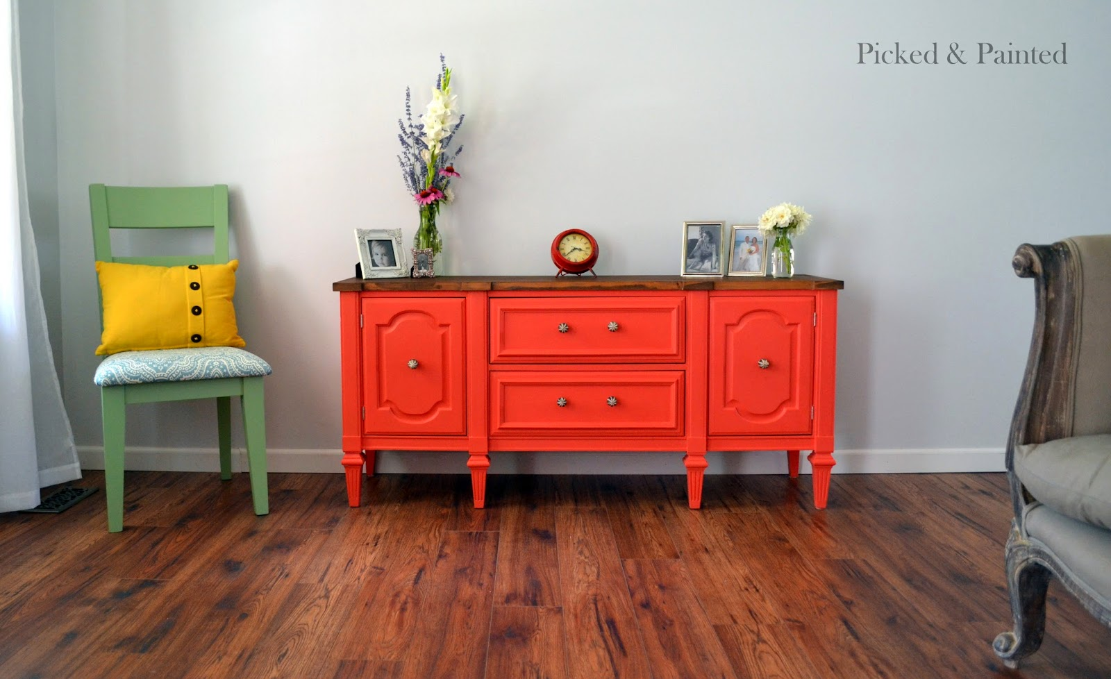 Coral Crush + Persimmon Buffet