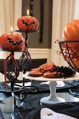 Jt jantom how to decorate your house for halloween ideas and photos if you want to add a touch of tradition to your halloween table you can include yourself pumpkins carved coffee table in your dining room or living room solutioingenieria Gallery