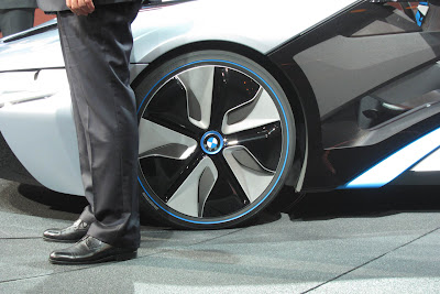 16 bmw i3 i8 live 1 BMW i3 & i8, Konsep Mobil Listrik Masa Depan