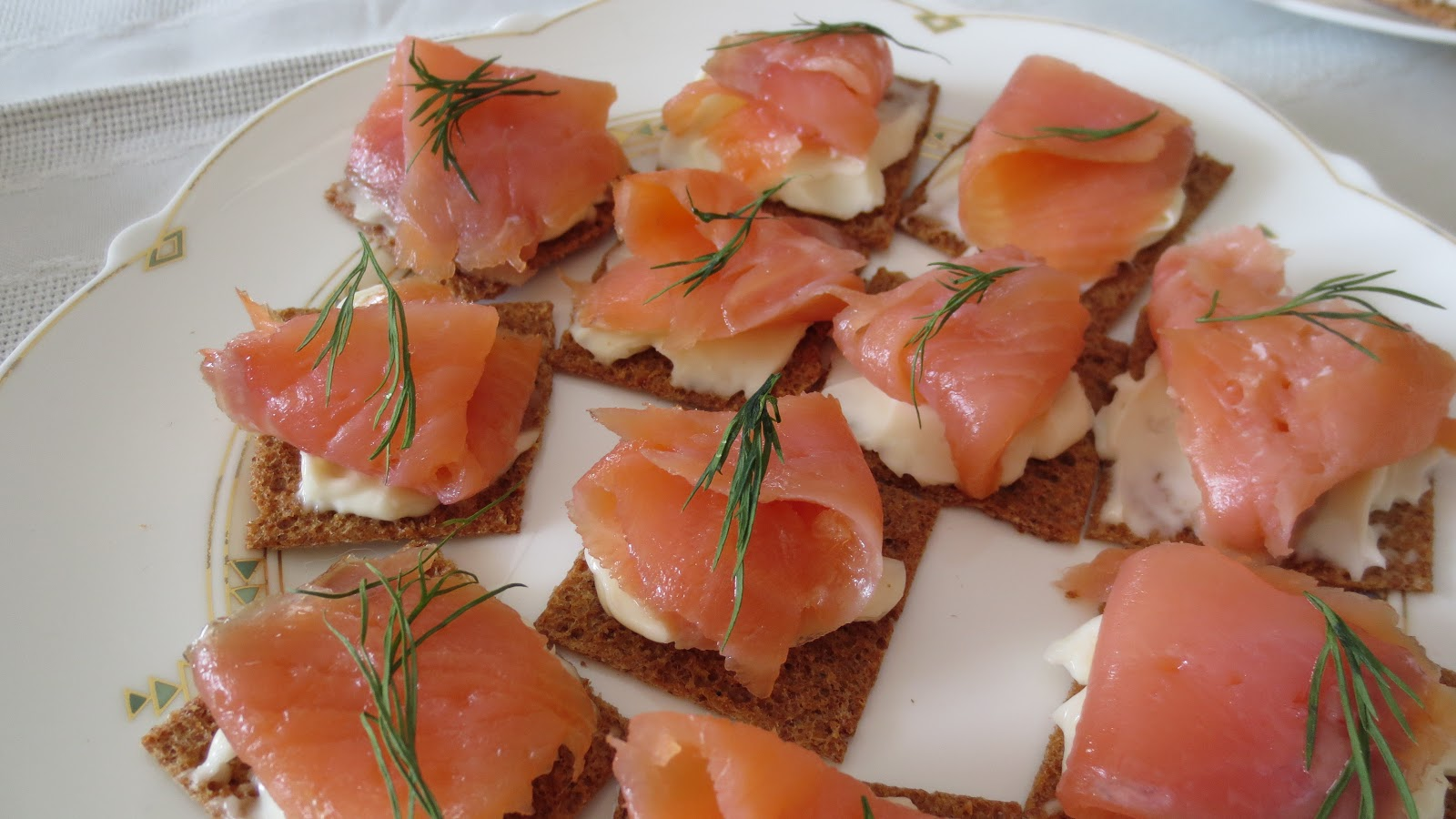 M 39 s little kitchen salmon canap s for Canape kitchen