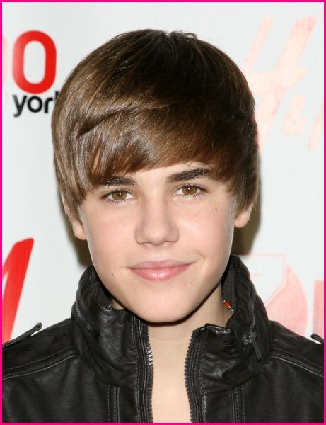 justin bieber with short hair 2011. hair styles short Justin