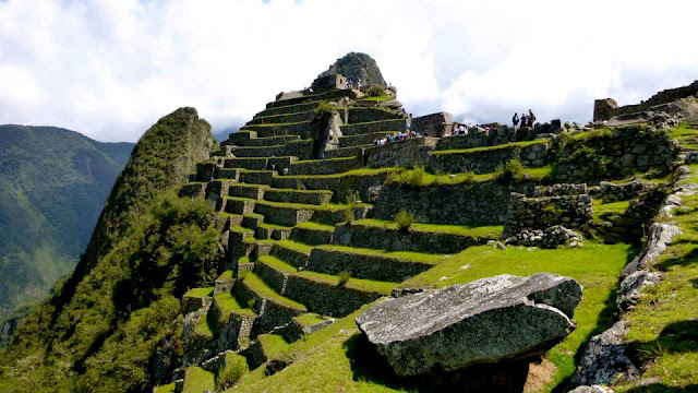 Side_of_Machu_Picchu