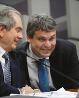 Fora Collor mostra Lindbergh Farias do PT como hipócrita contra impeachment de Dilma