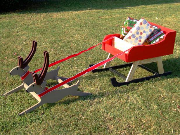 Build Your Own Santa Sleigh With Reindeer Diy Christmas